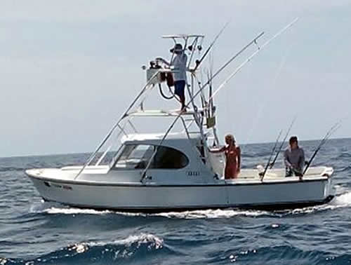 Papagayo charter boat the mahi
